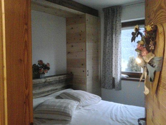 Bed and Breakfast Fra Rose e Mughi: La camera