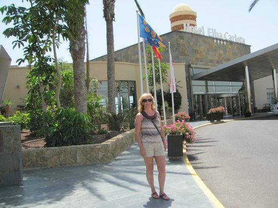Elba Carlota Beach and Convention Resort: Возле отеля
