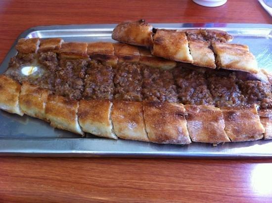 Simsek Karadeniz Pide Salonu: Pide with minced meat
