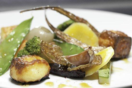 Hermengarda: Legumes assados com melado de cana e azeite de baunilha