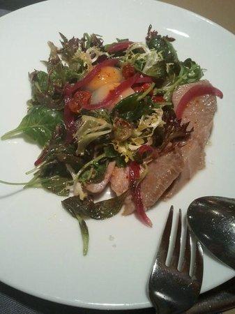Loidi: Ensalada de ventresca de atún confitado y vinagreta de mostaza antigua