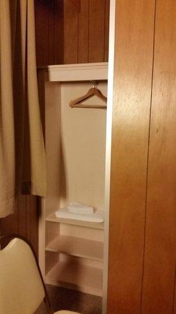 سنترال - هوتل تيجيل: Cramped room