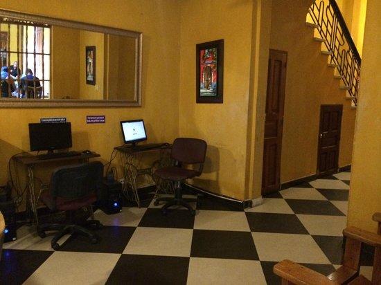 La Brisa Loca Hostel: Recepção
