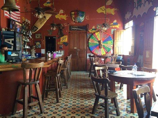 La Brisa Loca Hostel: Bar