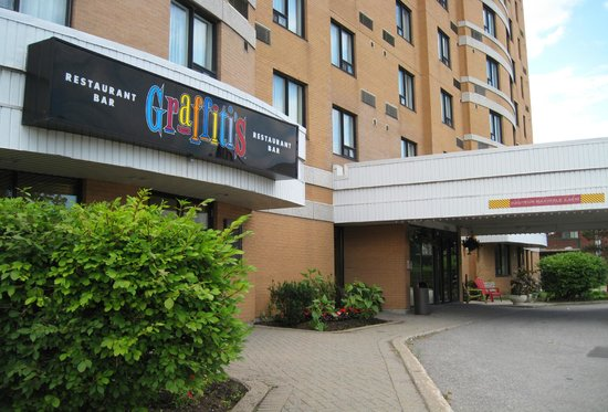 Quality hotel montreal east olympic parc updated 2017 for Hotel parc aquatique interieur quebec