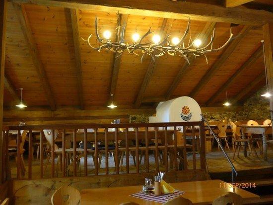 Schlosswirt Juval: Innenraum Gaststube