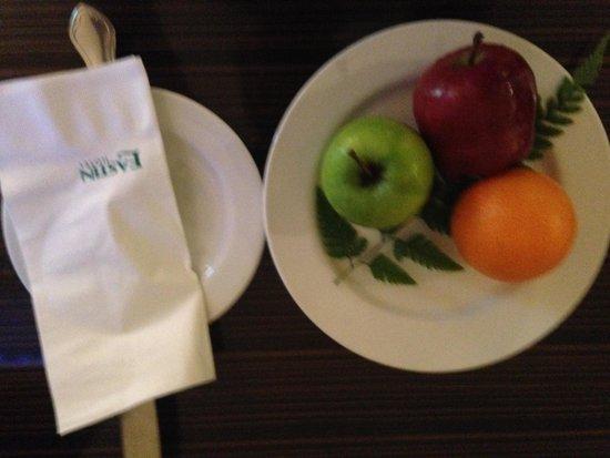 Eastin Hotel Kuala Lumpur: Fruit Basket