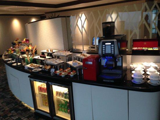 Eastin Hotel Kuala Lumpur: Buffet