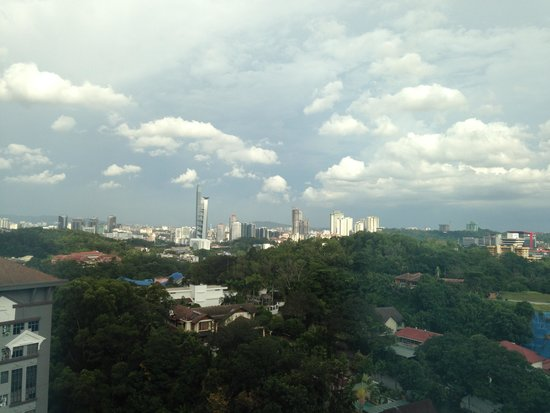 Eastin Hotel Kuala Lumpur: Outside view