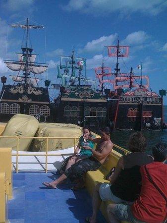 Super Catamaran to Isla Mujures: Delicia de passeio