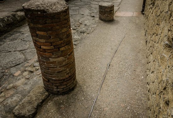 Parco Acheologico di Ercolano: Herculaneum lead pipes