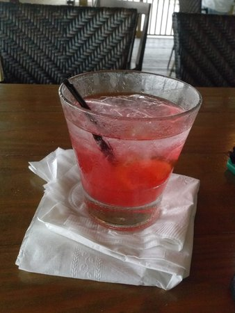 Runaway Island: happy hour 2 dollar drinks!!