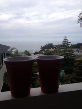 Laguna Beach Motor Inn : Solo cups at sunset on the balcony of Laguna Motor Inn = Paradise!