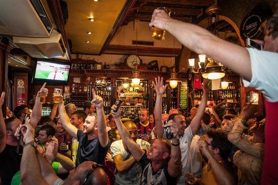 Temple Bar & Irish Pub: Atmosphere