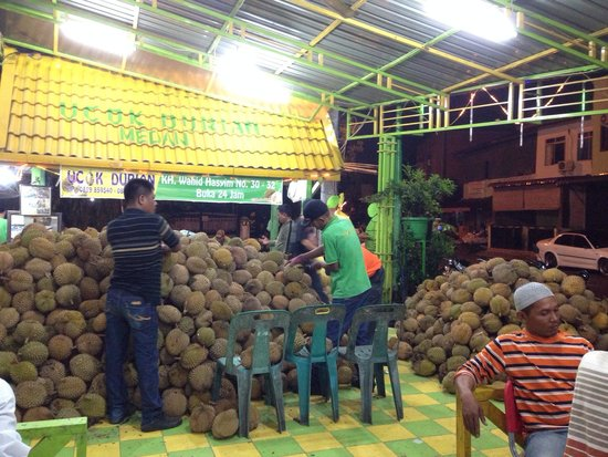 Durian Ucok: New address of Ucok Durian at jalan Wahid Hashim 30-32 Medan
