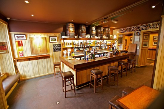 St. Ola Hotel: St Ola Hotel traditional Orcadian front bar