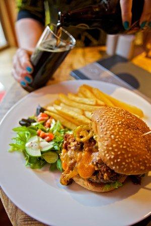 St. Ola Hotel: Chilli Burger.