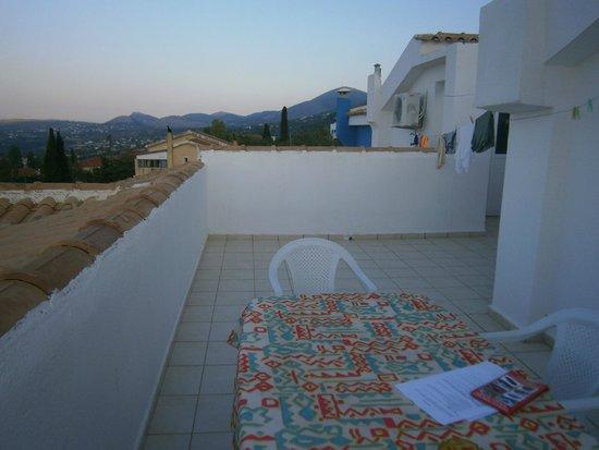 Casa De Blue Studios: groot balkon