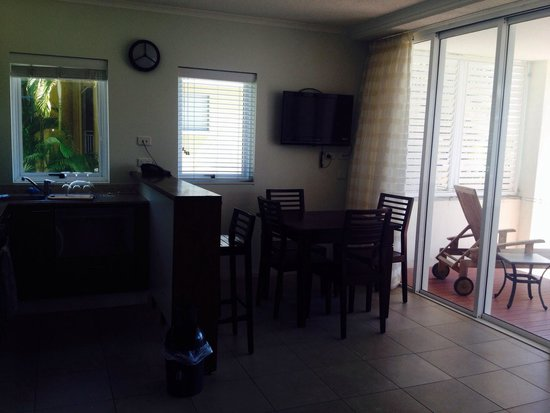 Blue Horizon Resort Apartments: Kitchenette
