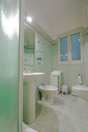 The Colours of Rome: Bagno