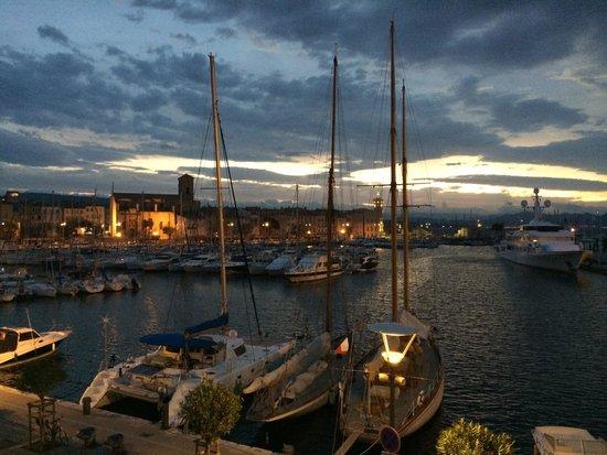 Best Western Premier Vieux Port : Amanhece.