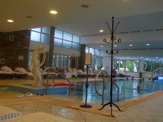 Hotel Terme Tritone Thermae & Spa: piscina interna comunicante