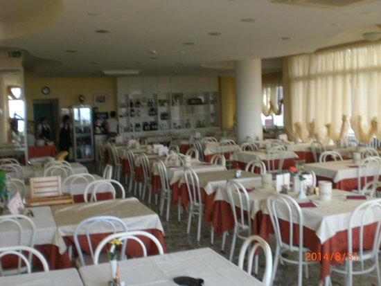 Hotel Sara: molta luce e grade
