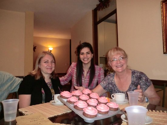 Hostal Villa Toscana: Celebrating Peggy's birthday
