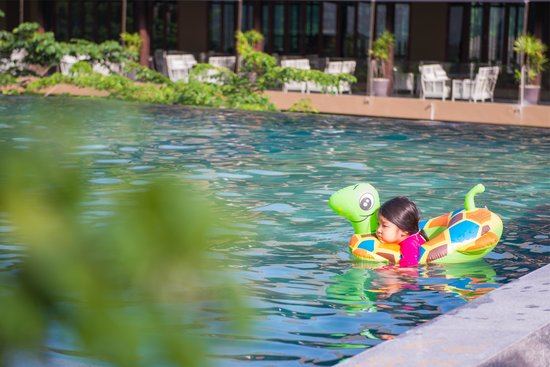صنسوري بوكيت: Just so relax at pool