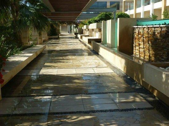 Minoa Palace Resort: grounds