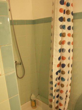 La Gracette : Bad (Zimmer mit 2 Einzelbetten)