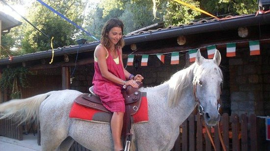 Azienda Agrituristica Masseria Montenero: a cavallo :-)