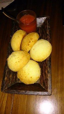 Toro Toro Restaurant & Bar: Pan de bono