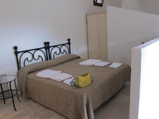 Masseria Pescorosso: letto