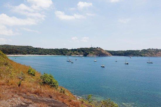 صنسوري بوكيت: View of Naiharn Beach