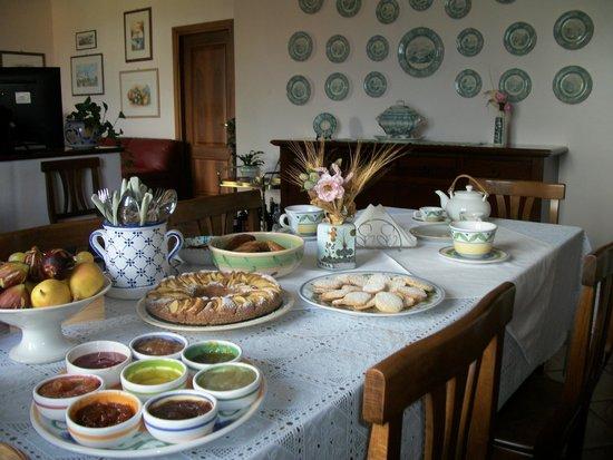 Le Poiane B&B: Colazione in sala da pranzo