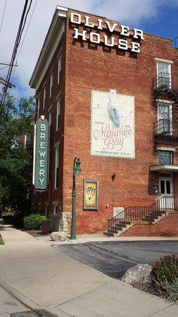 Maumee Bay Brewing Co: The Oliver House