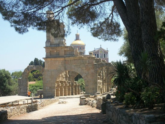 Le Poiane B&B: Tindari santuario e zona archeologica (a 20 km)