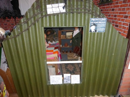 Barry War Museum: The dug-out