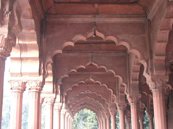 ‪‪Red Fort‬: Arches of Diwan-i-aam‬