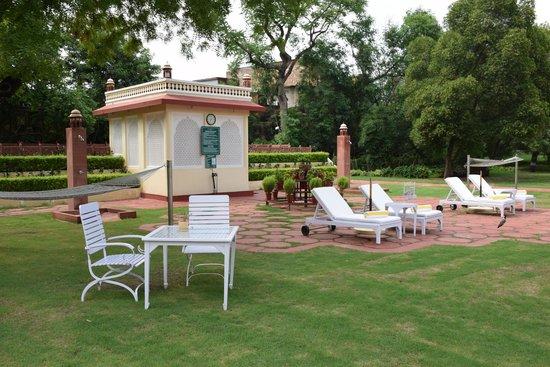 Jai Mahal Palace: Transats toujours disponibles