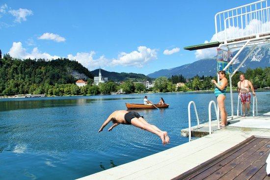 جراند هوتل توبليس: Swimming area