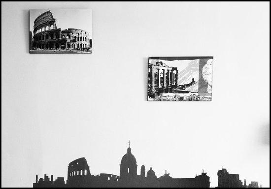 Roman Holidays Hostel: Common area