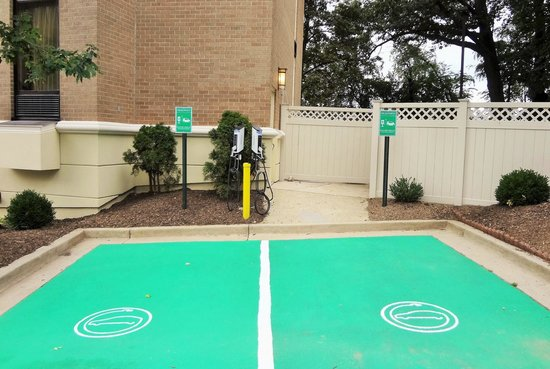 Comfort Inn Shady Grove: Electric Car Station