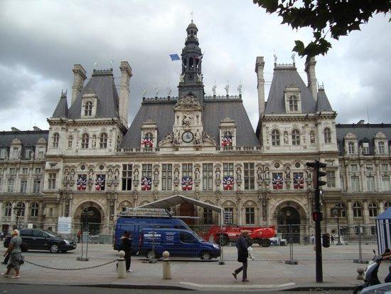 Kyriad Prestige Joinville Le Pont: Radnice