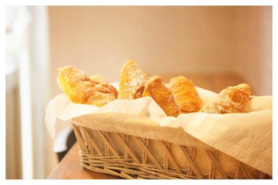 Roman Holidays Hostel: Breakfast