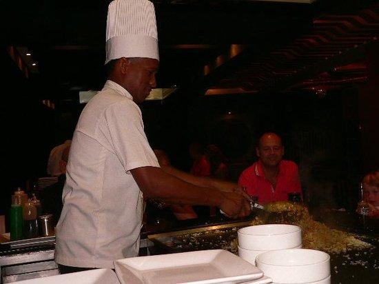 ذا ريزيرف آت باراديسوس بالما ريال: Our Chef at Mizo. Last dinner night. One of our favorites!