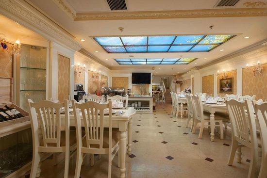 أنجل بالاس هوتل: Angel Palace Restaurant