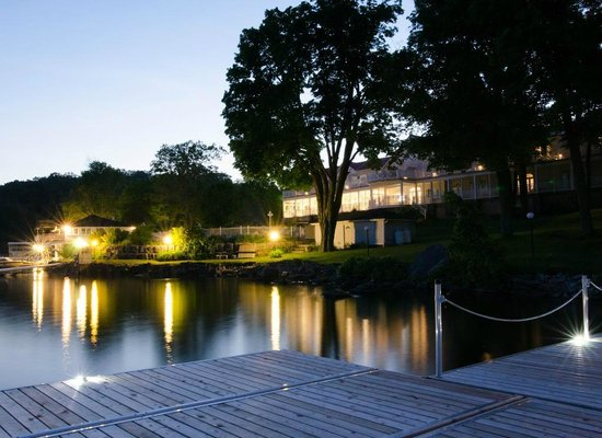 فياميدي ريزورت: Viamede Resort - Lakefront Resort
