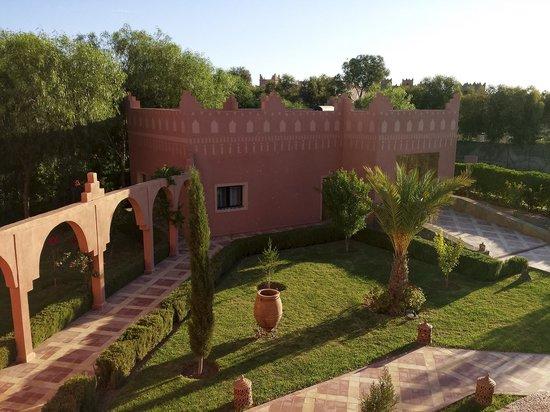 Kasbah Mansour: Vue côté jardin sur le studio Tichka - Kasbah Mansour